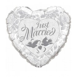 Just married hart ballon...
